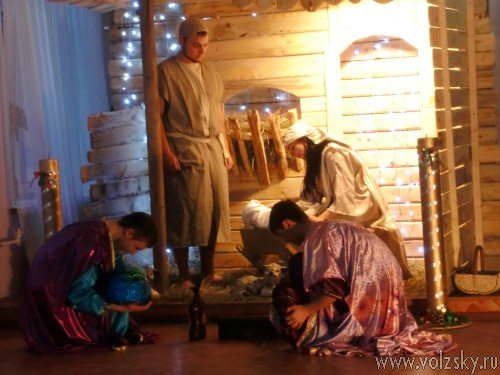 Приемные дети и их опекуны отметили новогодние праздники