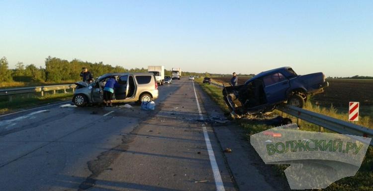 В ДТП в Новоаннинском районе погибли 3 человека