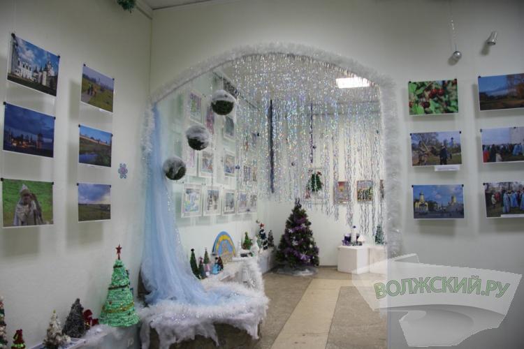 В Волжском работает рождественская выставка