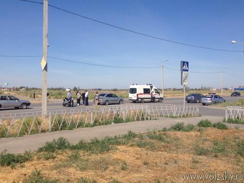 В Волжском сбили мотоциклиста