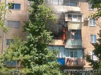 В Волжском сгорело несколько балконов