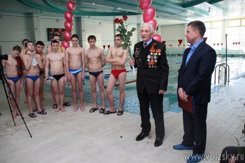 В Волжском состоялся 200-минутный заплыв в честь победы в битве на Волге