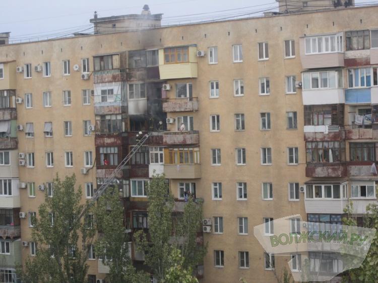 В жилом доме Волжского горела квартира