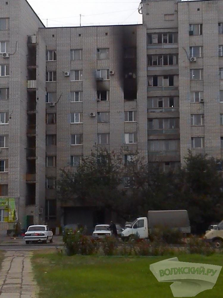 Из горевшего общежития в Волжском эвакуировали 40 человек