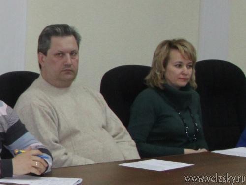Власти Волжского никак не разберутся: кормить старшеклассников, или нет?