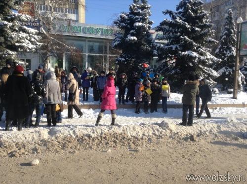 Волгоградских школьников добровольно отправили на эстафету Олимпийского огня