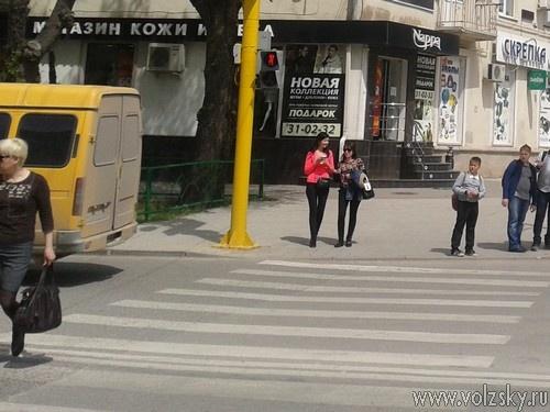 Волжане игнорируют светофор у «Спутника»