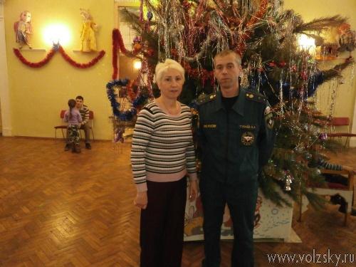Волжские пожарные контролировали новогодние «ёлки»