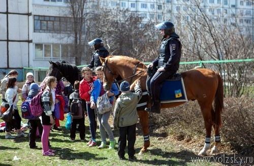 Волжские школьники приняли участие в областном семинаре «Служить России»
