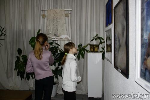 Волжских школьников и студентов учили писать картины
