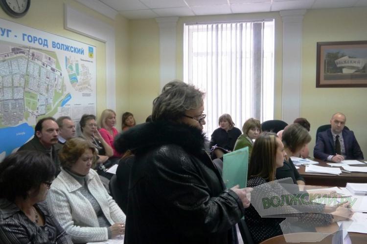 За завершающем заседании гордумы депутатов ожидало несколько «сюрпризов»