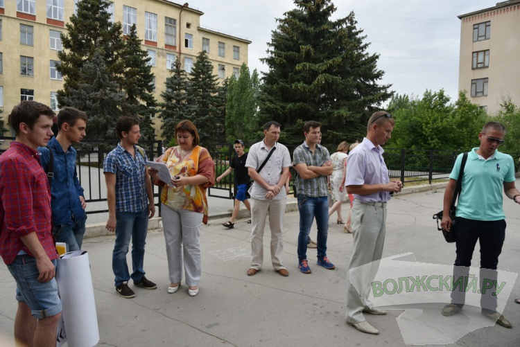 «Чемодан без ручки» по-волжски: СК «Волга» снова никому не нужен