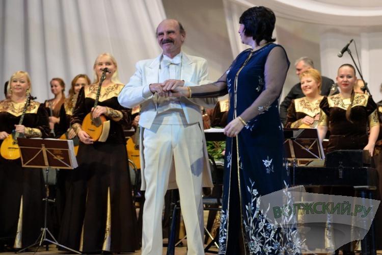 Американский маэстро сыграл джаз в компании волжского оркестра