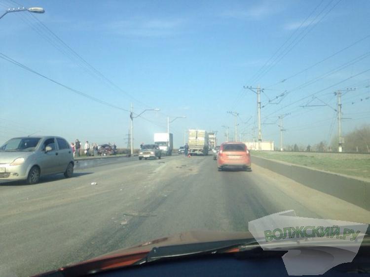 Авария на Волжской ГЭС снова застопорило движение