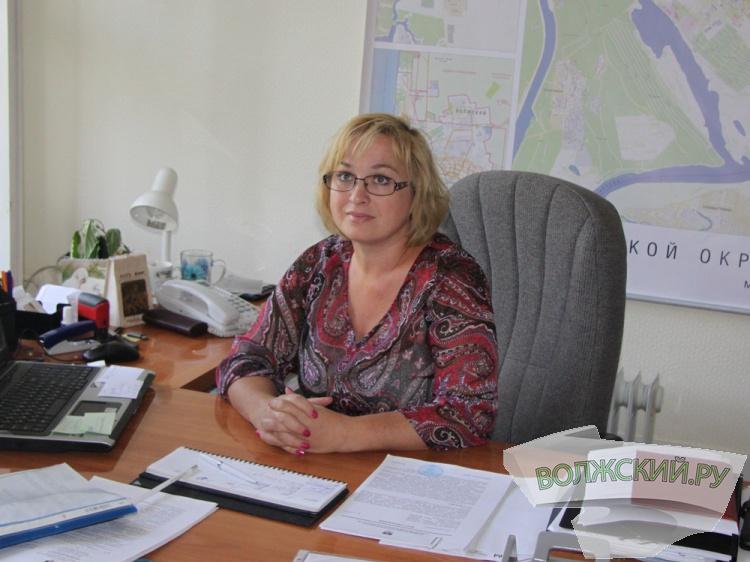 Мэрия Волжского не может влиять на коммерсантов, портящих внешний облик города