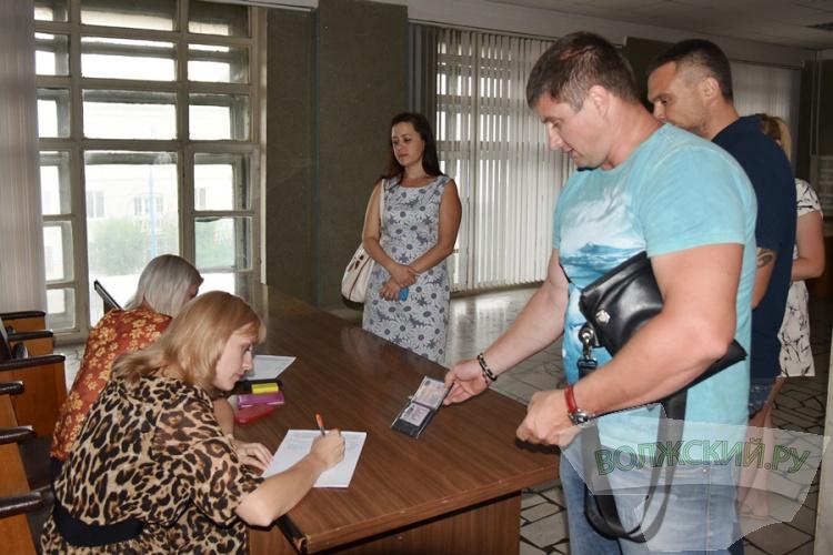 На публичных слушаниях волжане проголосовали «за» свободный проезд в речпорт