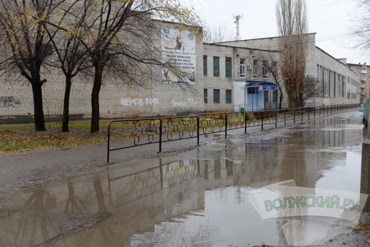 Начало сезона дождей волжане отметили «заплывом»