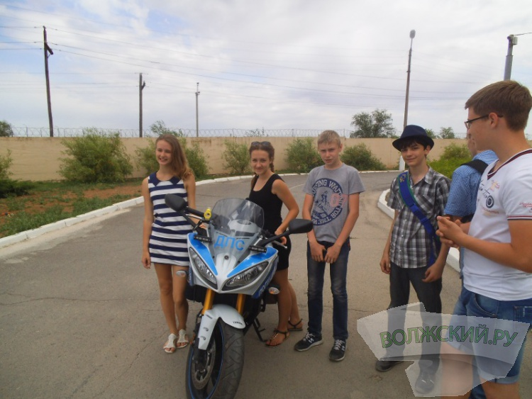 ОГИБДД города Волжского провело для школьников «профориентацию»