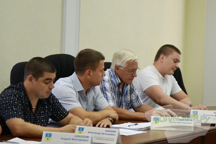 Депутаты ушли на каникулы: обзор последнего заседания гордумы