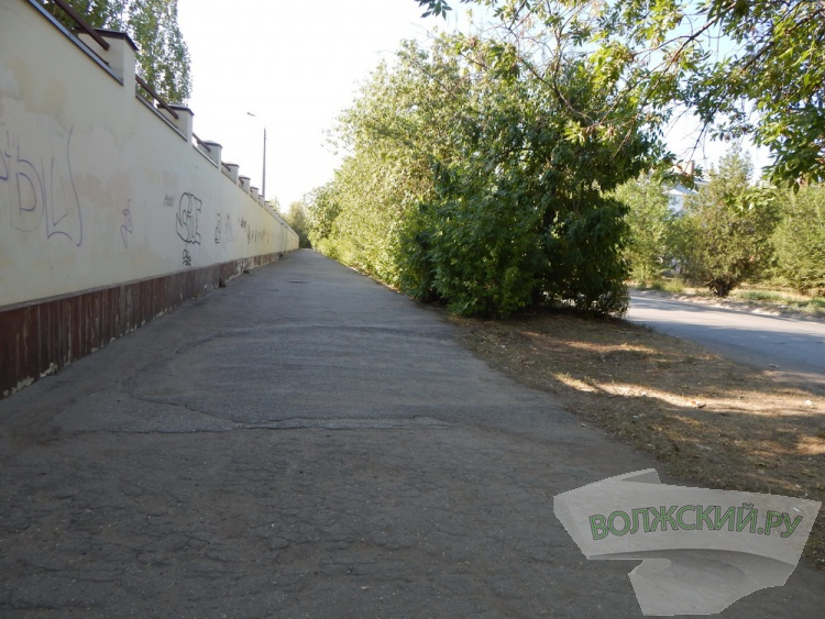 Прогулки по Волжскому #2. Набережная, Сталинградская