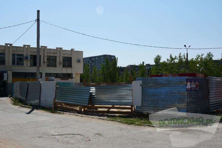 Рядом с «Метро» строится французская «торгушка» «Леруа Мерлен»