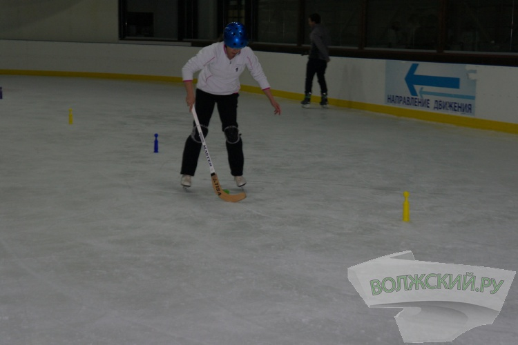 Школьники Волжского открыли сезон веселых стартов