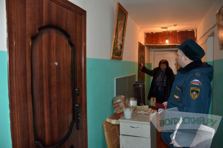 Сотрудники МЧС провели рейд в одной из «общаг» города