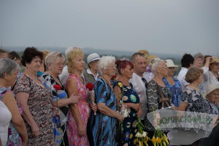В День памяти и скорби волжане традиционно возложили венки