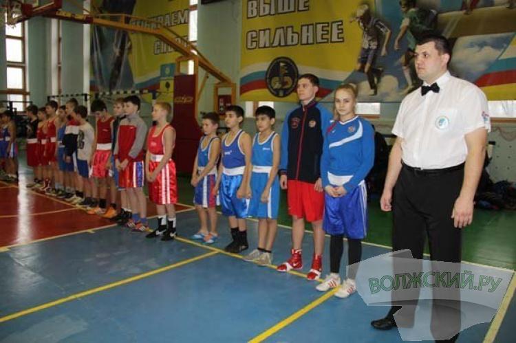 В спорткомплексе «Волга» сразились боксеры