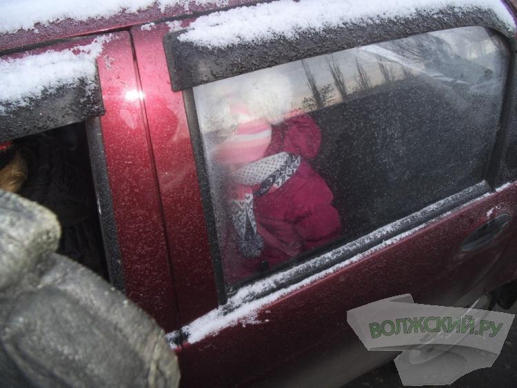 В Волжском госавтоинспекторы штрафовали родителей
