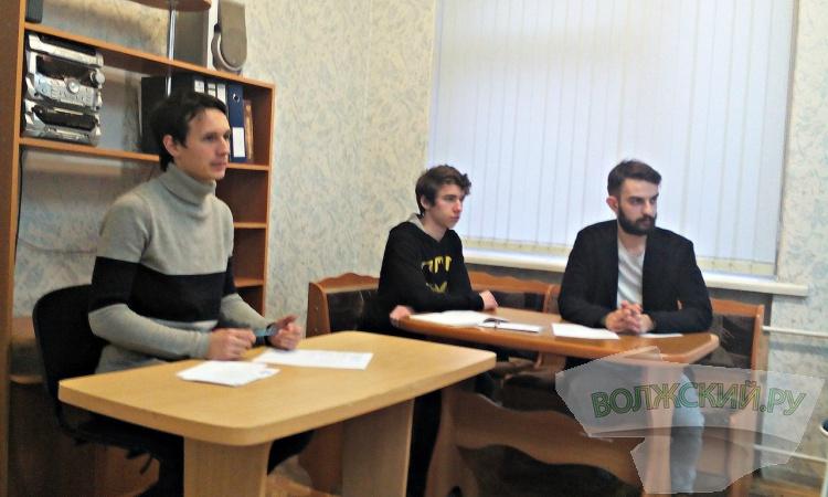 В Волжском прошло первое занятие «Школы журналистов»