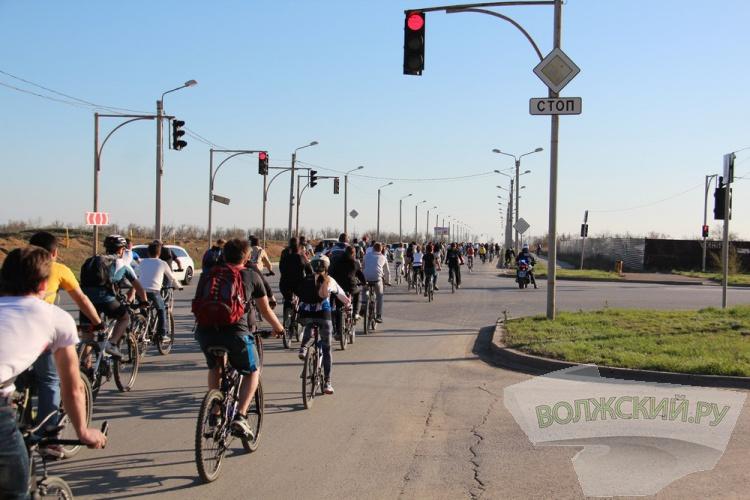 Волжане открыли велосипедный сезон