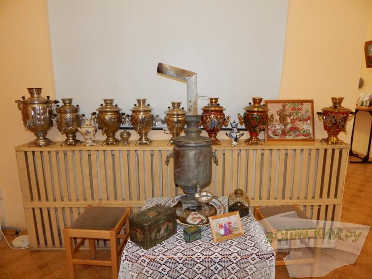 Волжанин представил коллекцию часов на выставке