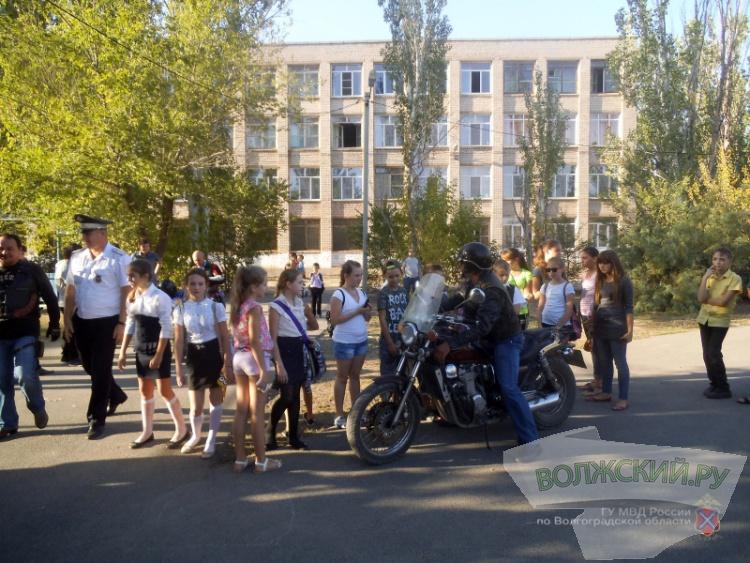 Волжские ГАИ-шники провели дорожную профилактику совместно с байкерами