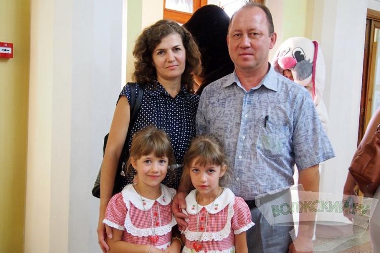 Волжский трубный завод поздравил первоклашек с Днем Знаний