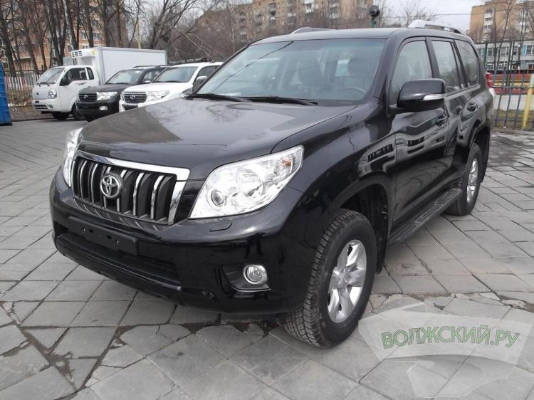 В Волжском угнали Toyota Land Cruiser Prado