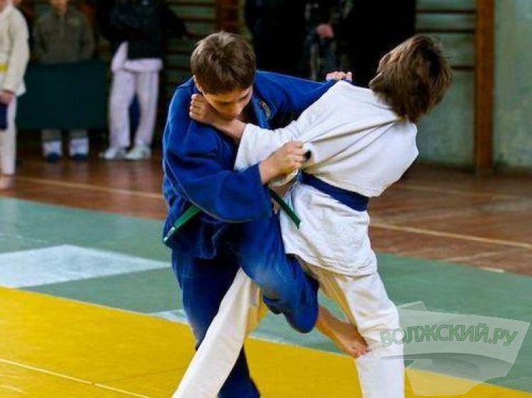 Юные дзюдоисты из Волжского выиграли выездной турнир