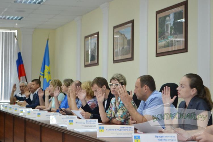 Глава города Игорь Воронин отчитался о своей работе