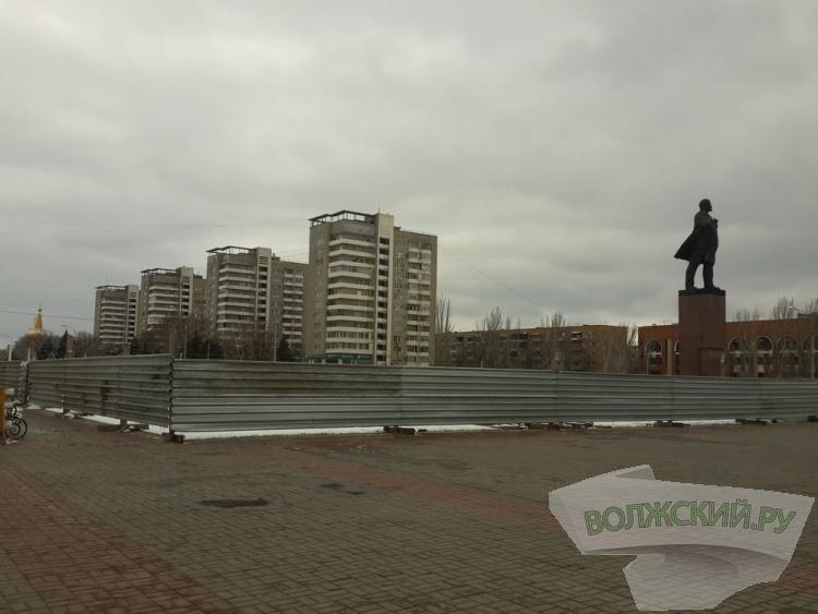 На площади Ленина приступили к возведению нового водного объекта