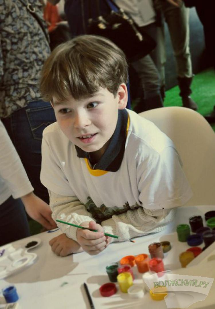 Юный художник из Волжского борется за поездку в Арктику