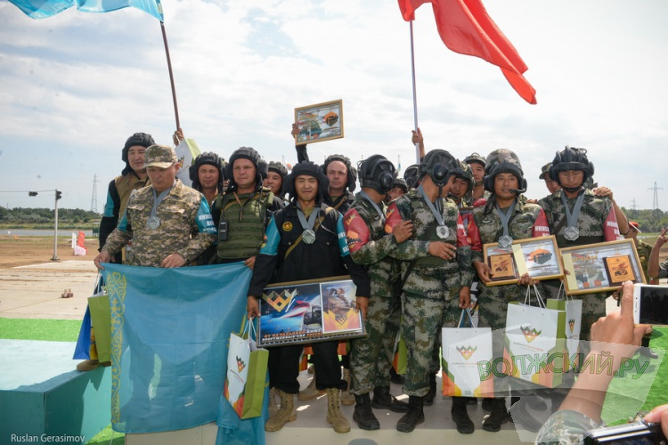 Сборная России одержала победу на международных «Армейских играх-2016» в Волжском