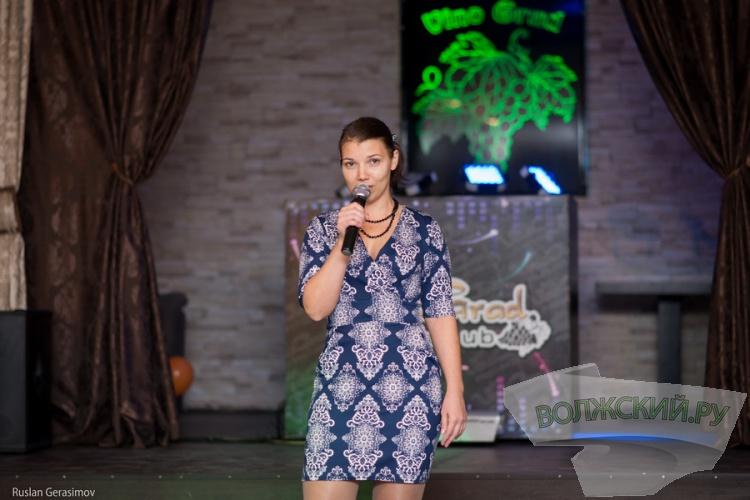 Участницы «Миссис Волжский-2016» сразились в караоке