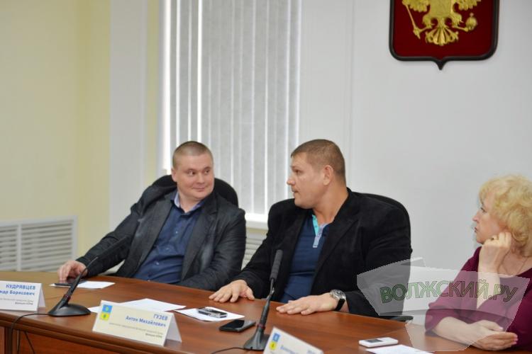 В конфликт вокруг волжской спортшколы включились депутаты