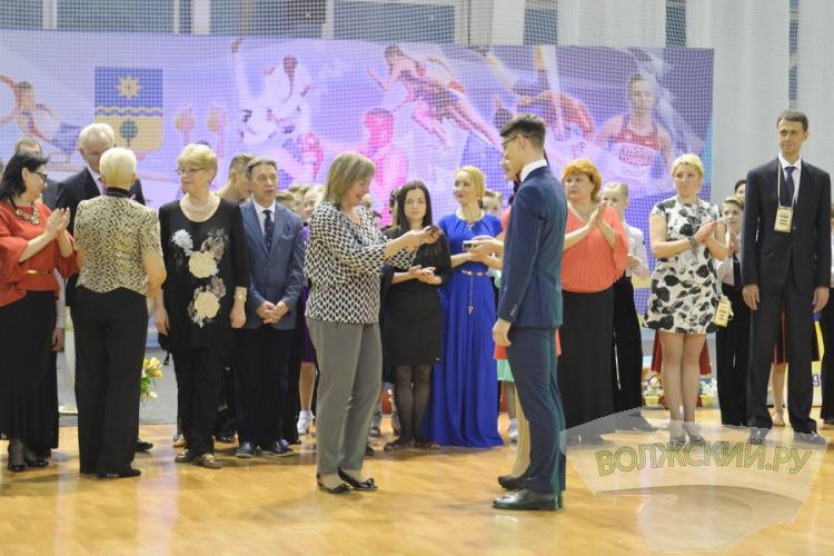 В Волжском наградили лучших танцоров