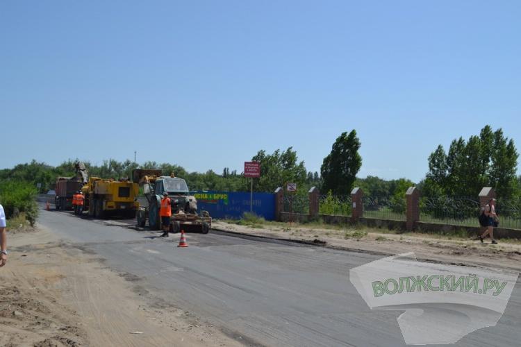 В Волжском наступил «высокий» сезон ремонта дорог