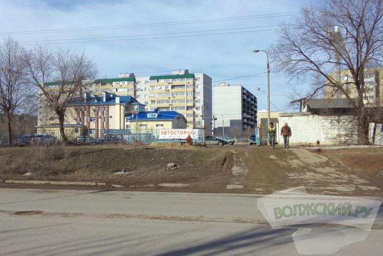 В Волжском открылась вторая 30-рублевая парковка