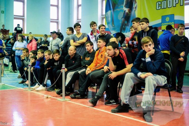 В Волжском прошел Чемпионат и первенство ЮФО по кикбоксингу