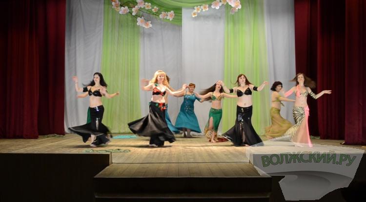 В Волжском прошел фестиваль танцев «Арабская весна-2016»
