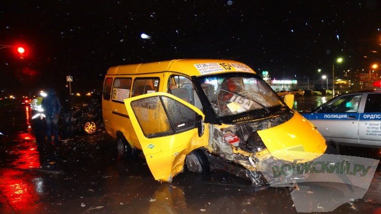 В Волжском в смертельном ДТП погиб 36-летний пассажир