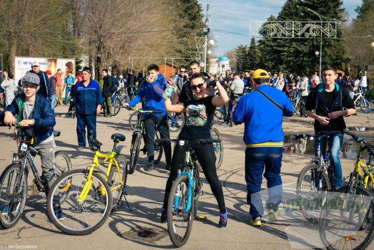 «Велобульвар-2016»: спортивный костюм победил дресс-код